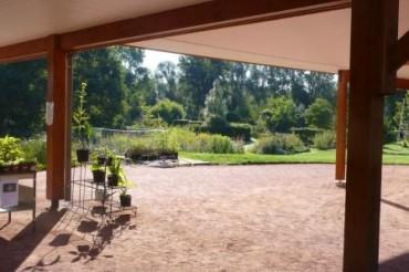 Vue des jardins depuis les bâtiments
